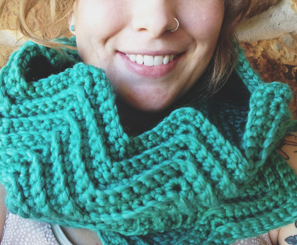 close up of the chevron cowl
