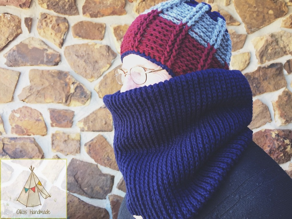 Doc In Oikos Handmade hat/cowl